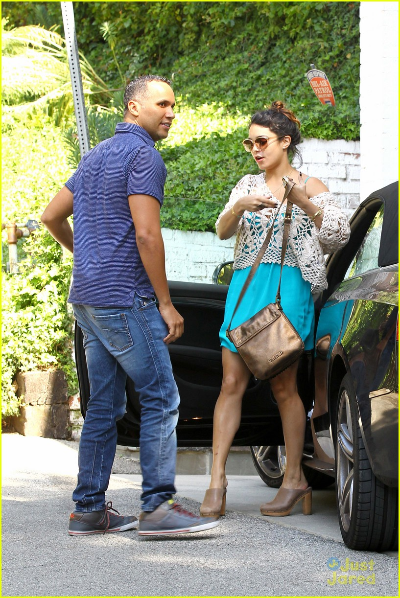 vanessa hudgens lunch brit 07