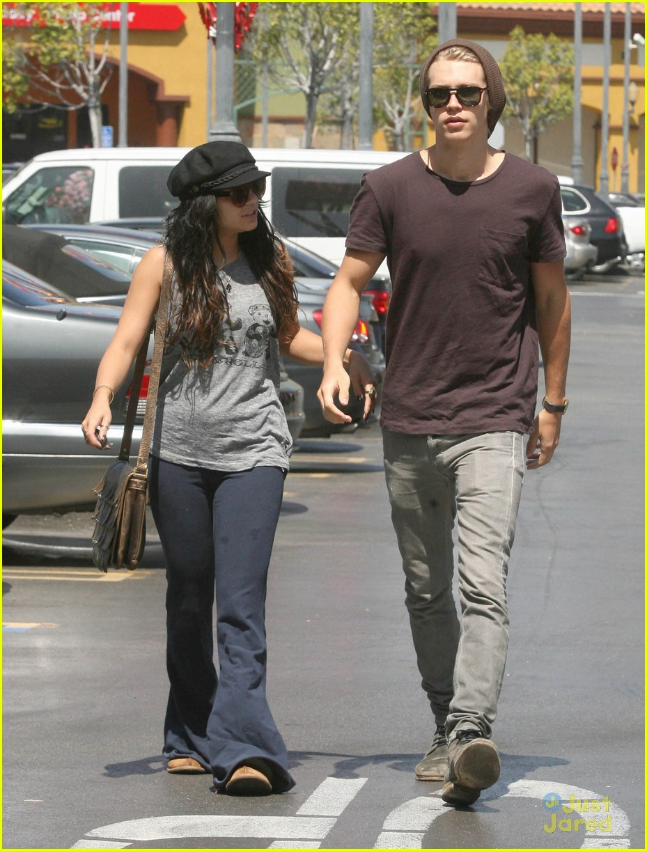 Vanessa Hudgens with her boyfriend 051312  LIME LT 13