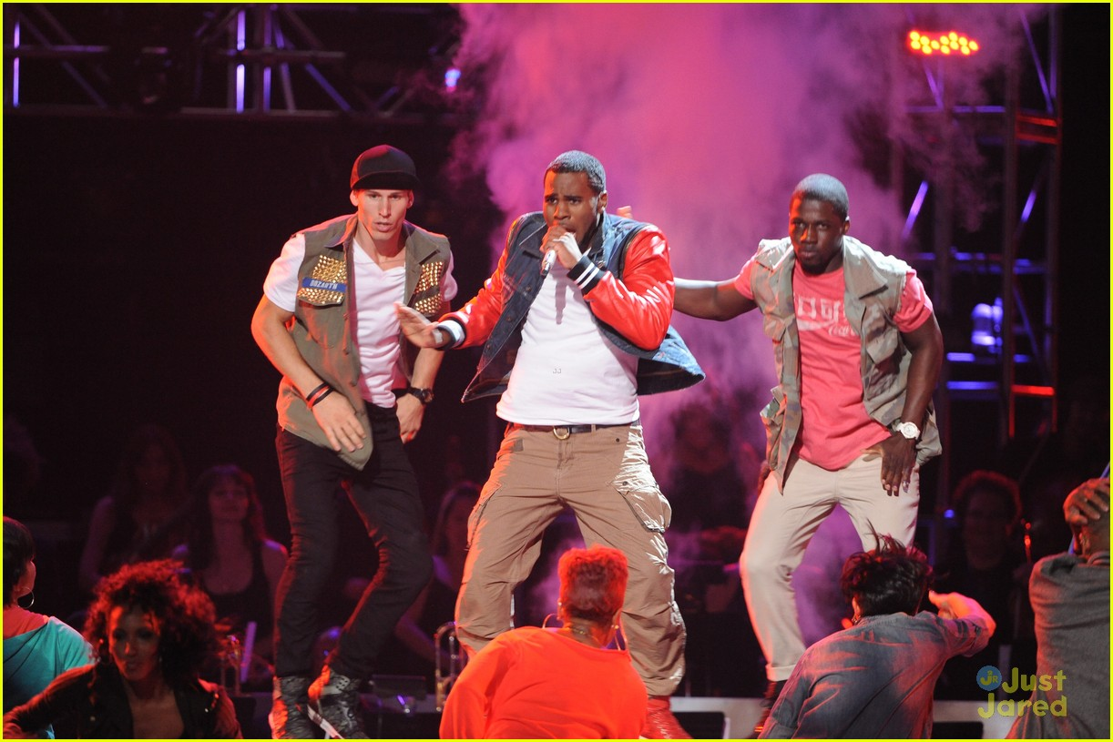 jason derulo undefeated idol finale 10