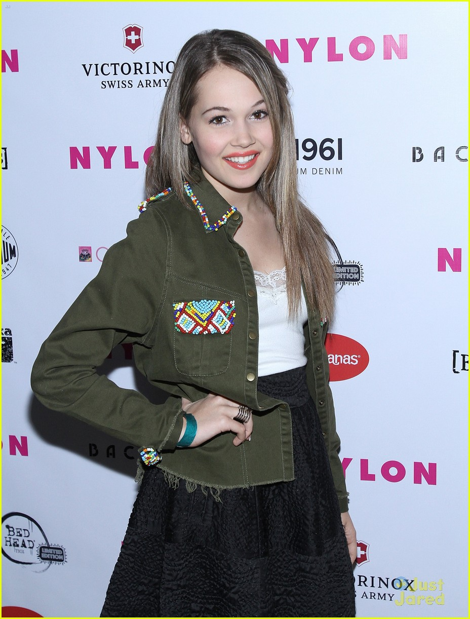 jennifer stone kelli berglund nylon 15