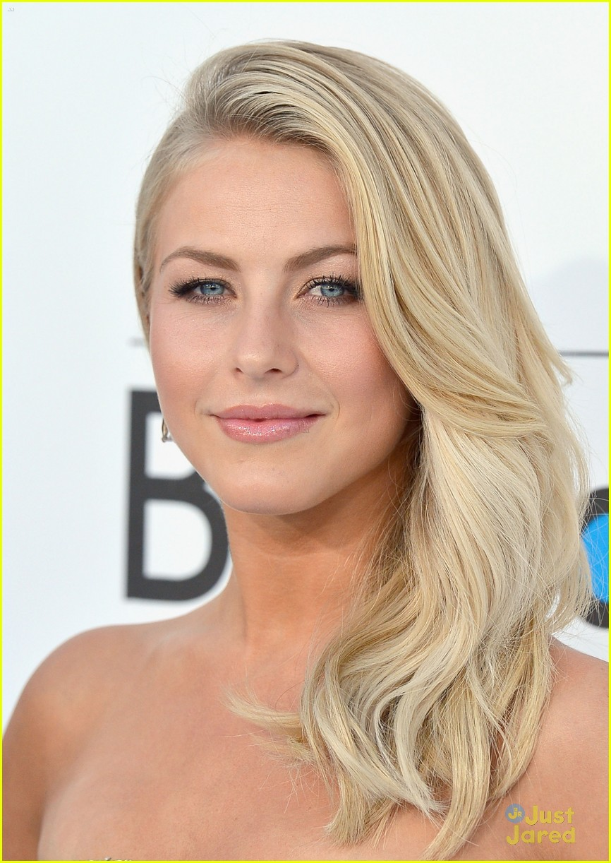 julianne hough 2012 bbma 02