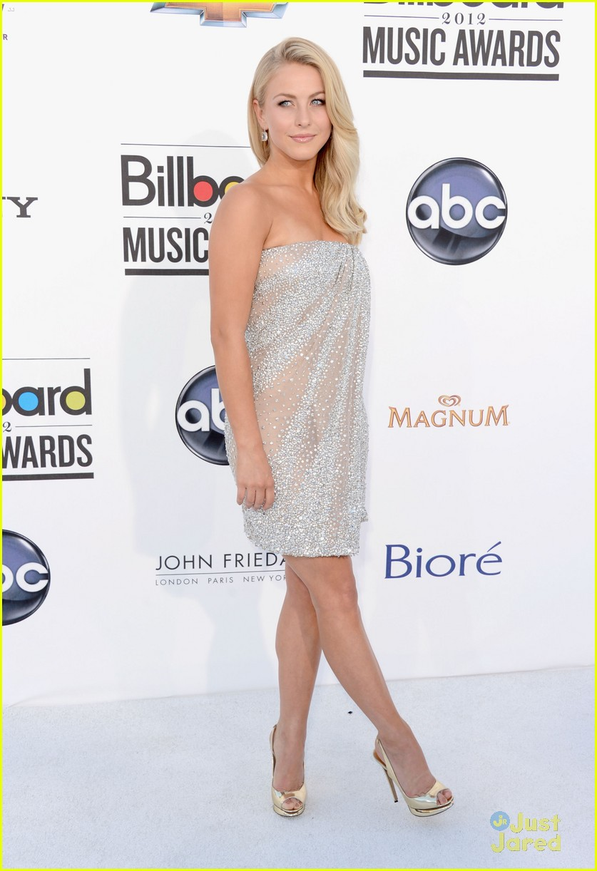 julianne hough 2012 bbma 04