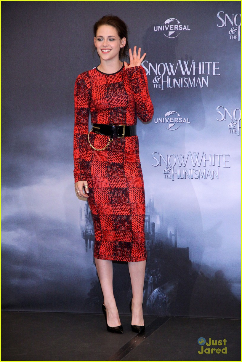 kristen stewart berlin snow white 06