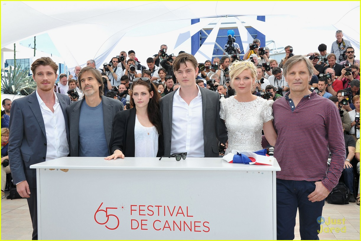kristen stewart road cannes call 05
