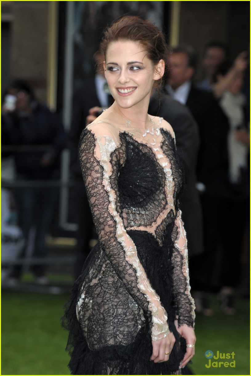 kristen stewart snow white premiere 01