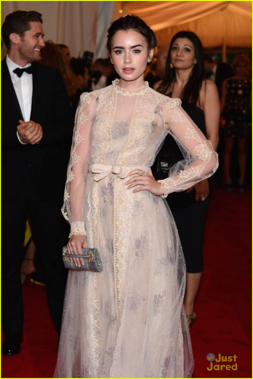 lily collins met ball 01