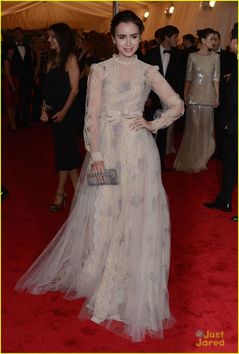 lily collins met ball 06