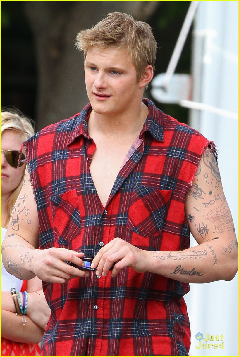 alexander ludwig cameron boyce grown ups 01