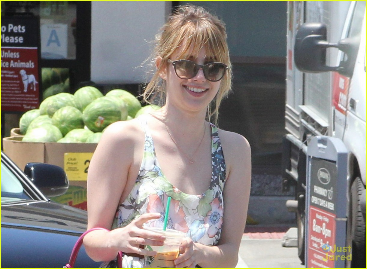 emma roberts memorial day 04