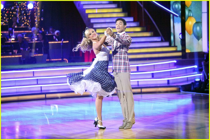 roshon fegan chelsie dwts gone 08