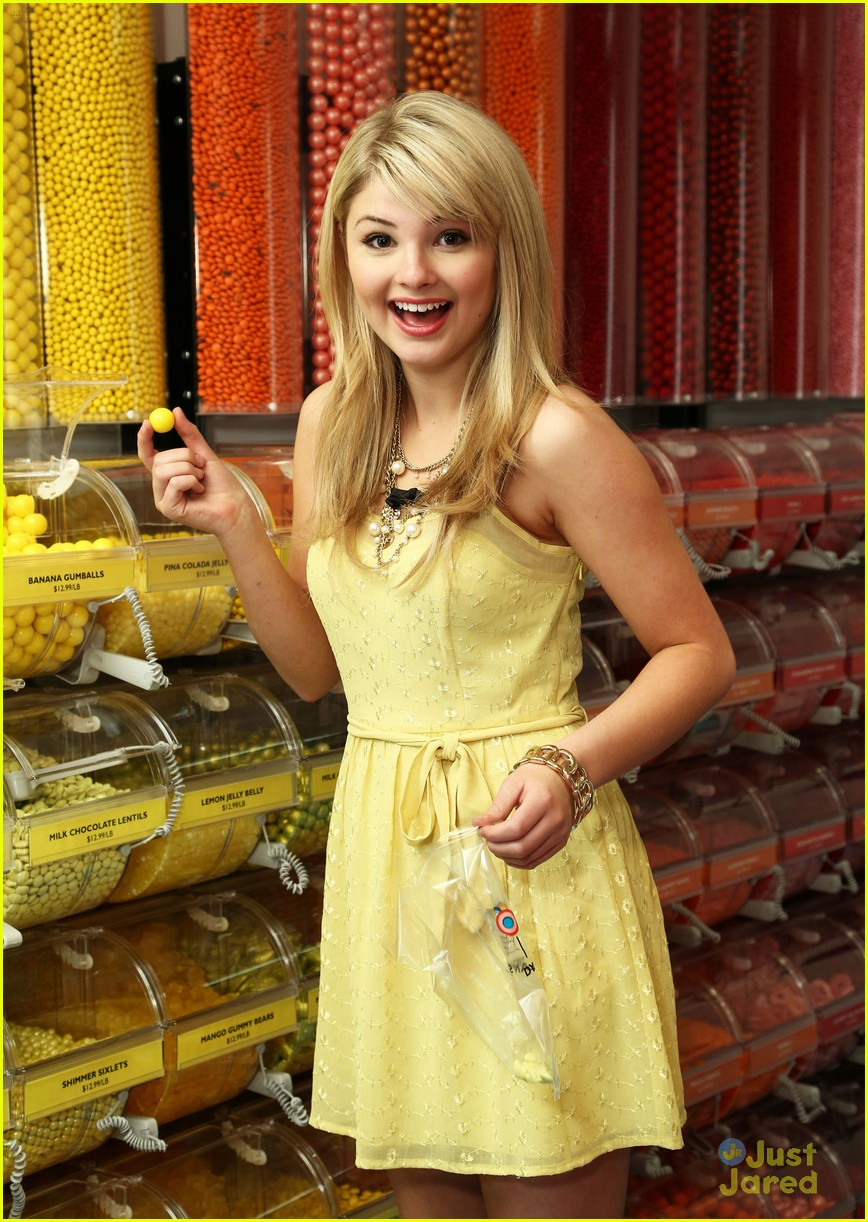 stefanie scott chicago opening 05