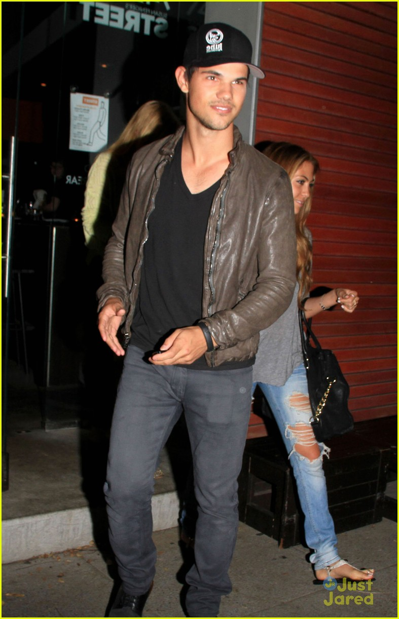taylor lautner sara hicks date 01