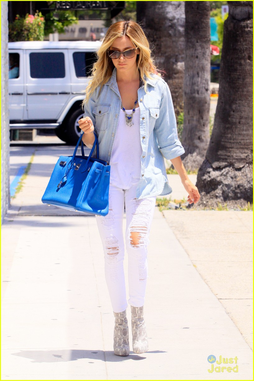 ashley tisdale run robertson 12