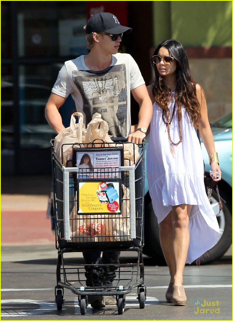 vanessa hudgens austin ralphs 06