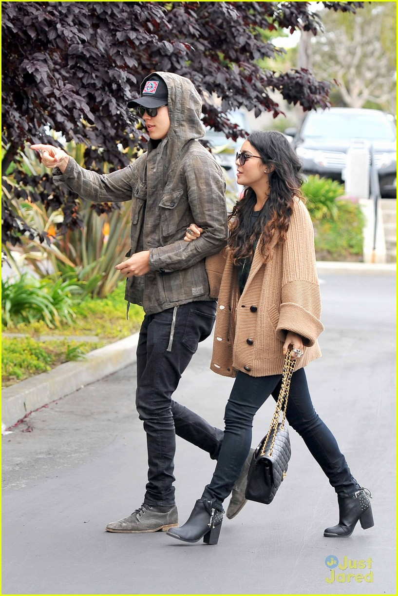 vanessa hudgens austin culver city 02