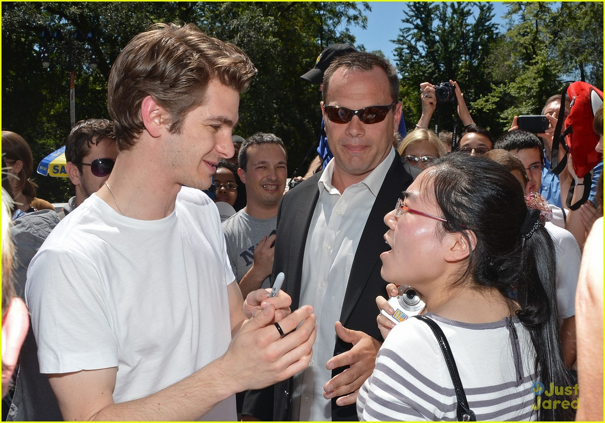 andrew garfield spider delivery 19