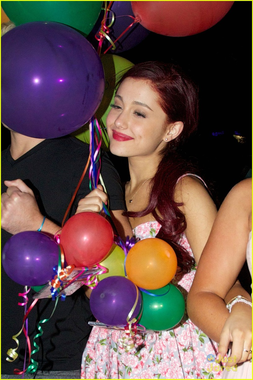 ariana grande bash eleven rest 02
