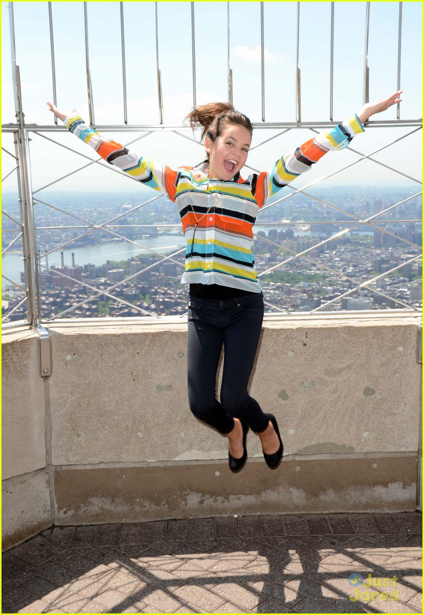 bailee madison empire state 07
