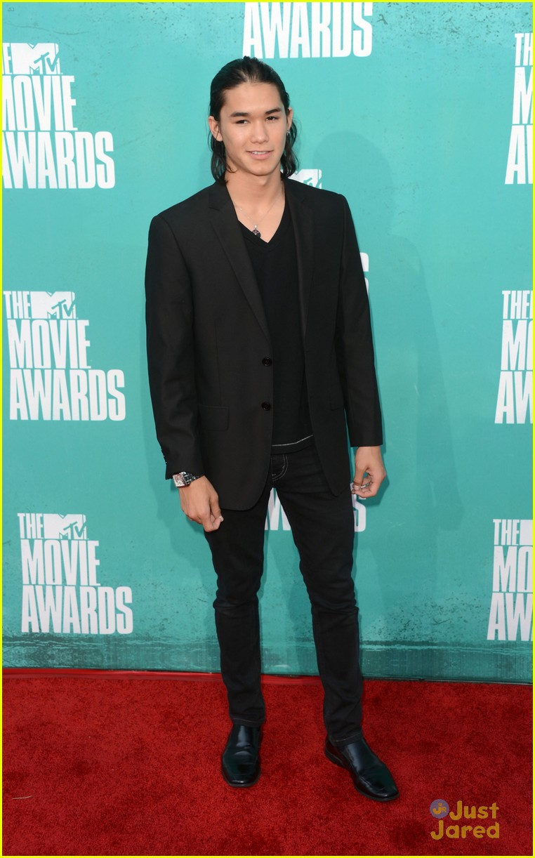 booboo stewart taylor lautner mtv movie awards 11
