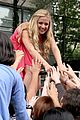 Caroline-concert caroline sunshine concert trash 03