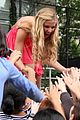 Caroline-concert caroline sunshine concert trash 05