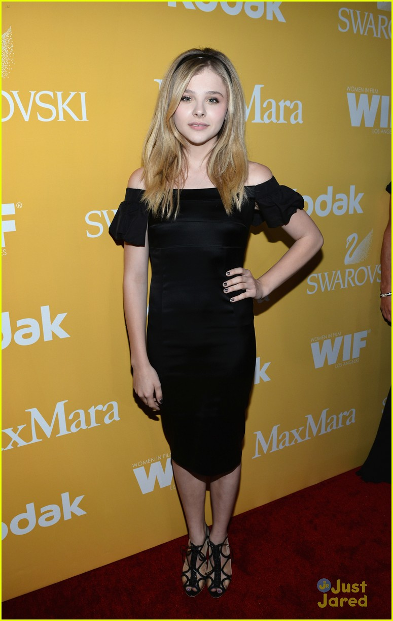 chloe moretz crystal lucy awards 07