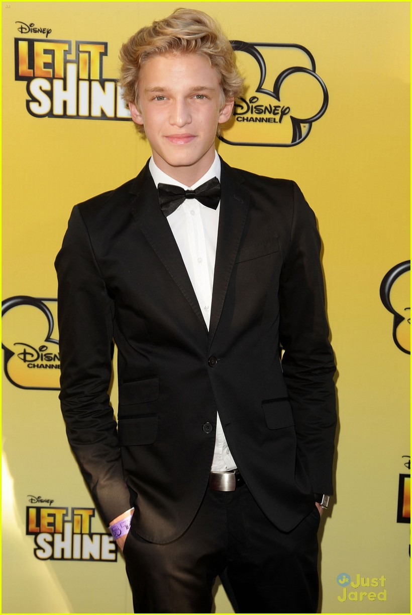 cody simpson calum worthy let shine 01