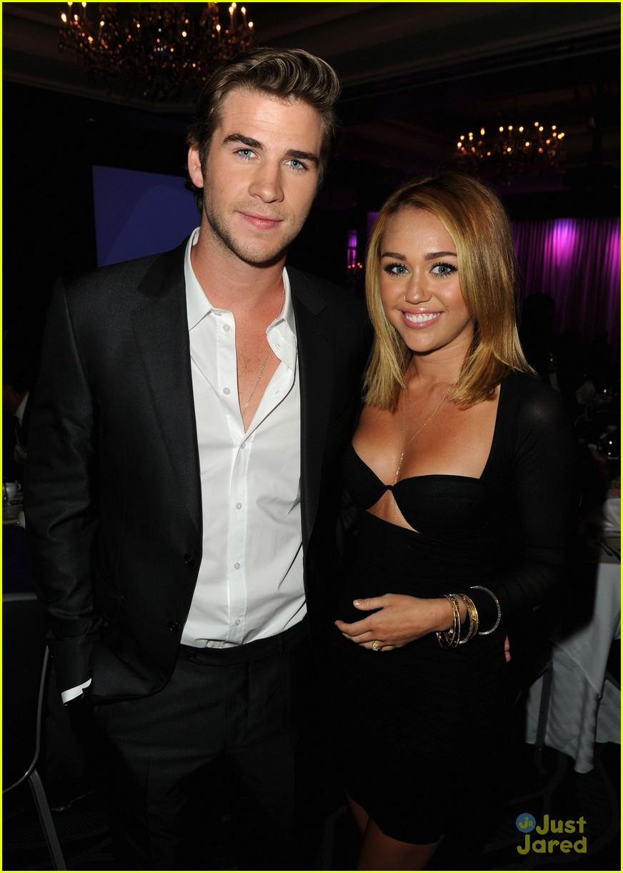 miley cyrus liam hemsworth australians in film awards 08