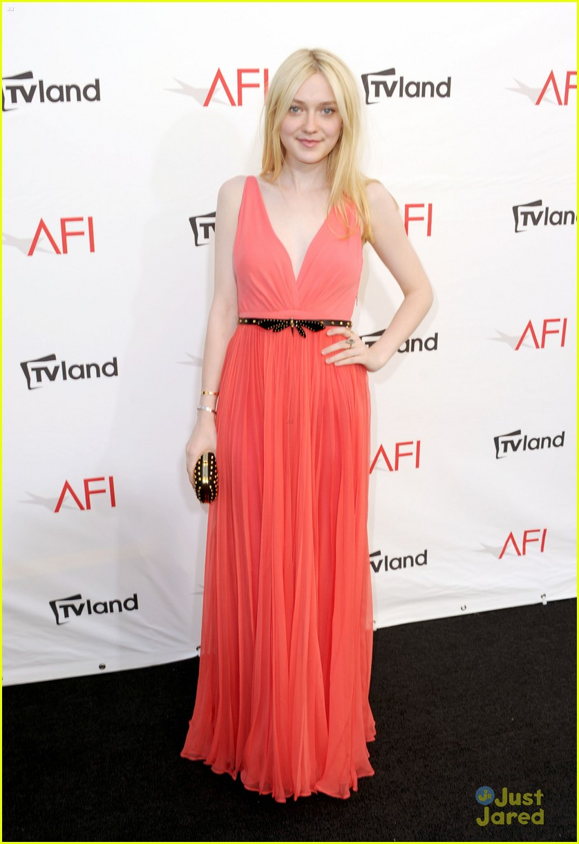 dakota fanning afi ceremony 06