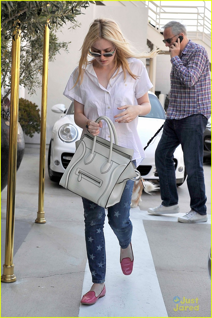 dakota fanning star jeans 04