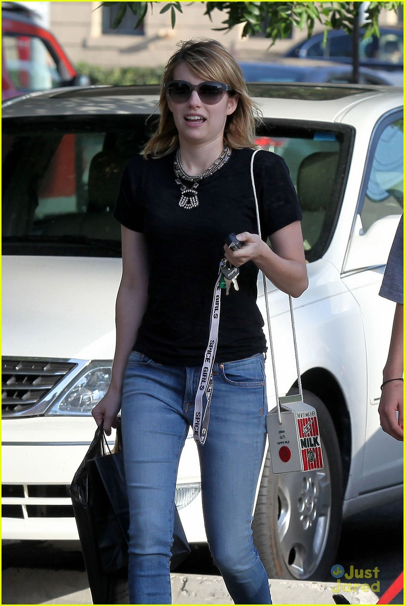 emma roberts los feliz milk 06