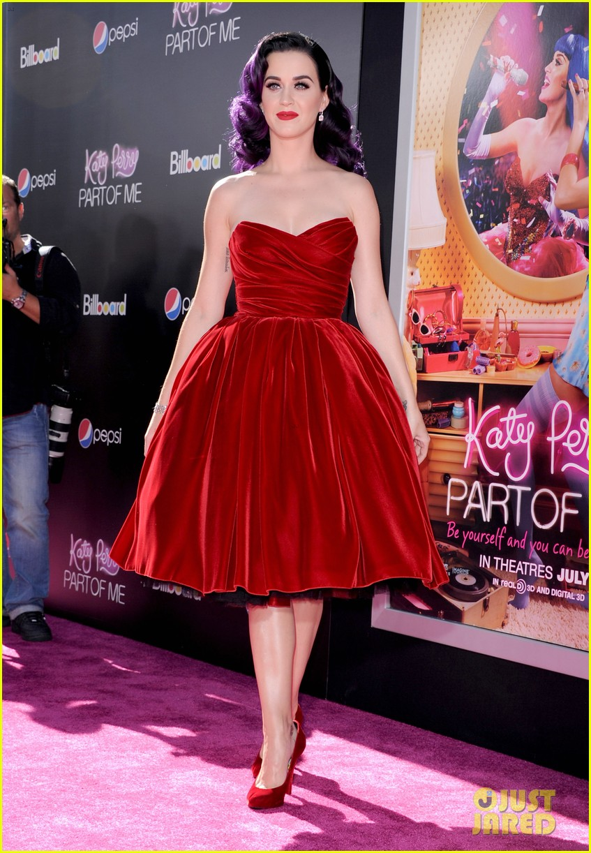 selena gomez katy perry part of me premiere 07