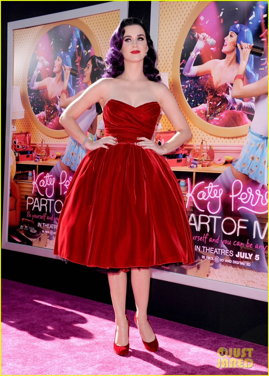 selena gomez katy perry part of me premiere 08
