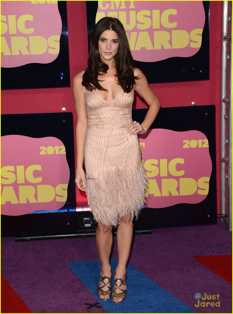 ashley greene cmt awards 01