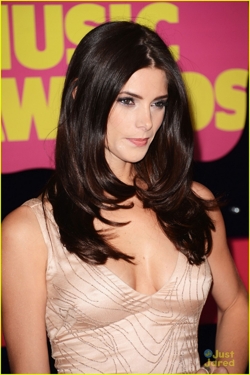 ashley greene cmt awards 05