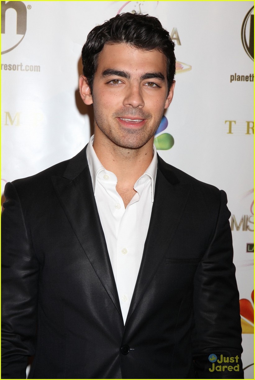 joe jonas miss usa 10