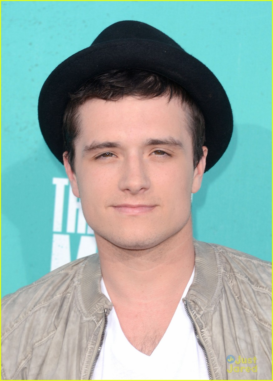 josh hutcherson mtv movie awards 01