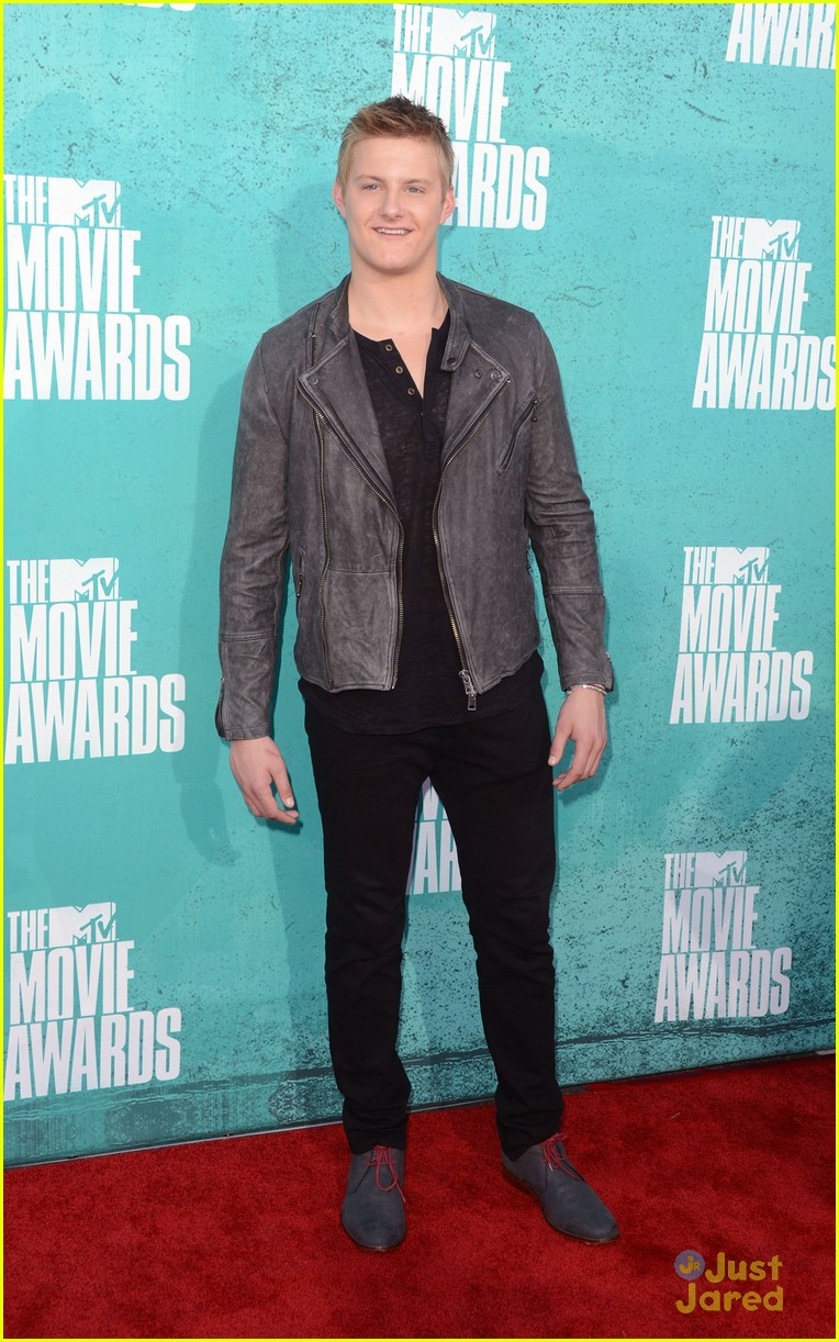 josh hutcherson mtv movie awards 09