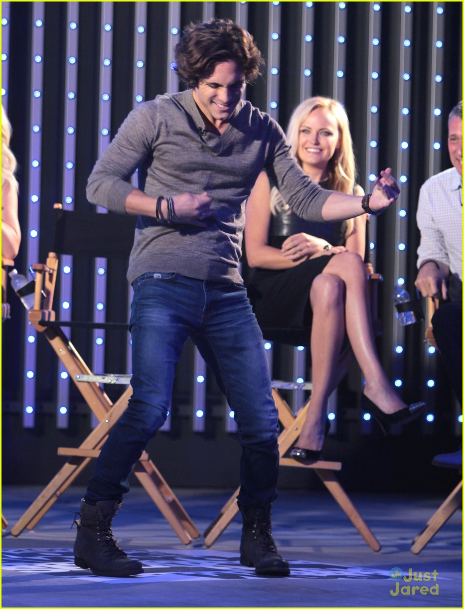 julianne hough diego boneta rock qa guys choice 20