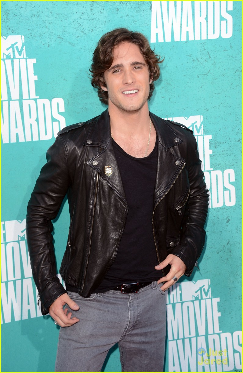 julianne hough diego boneta mtv movie awards 10