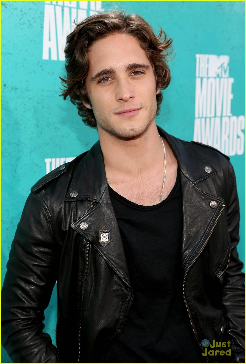 julianne hough diego boneta mtv movie awards 11