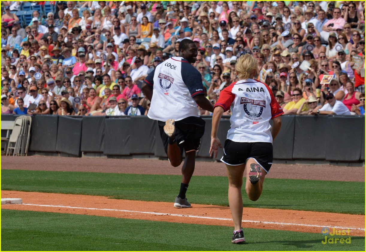lauren alaina softball city hope 05