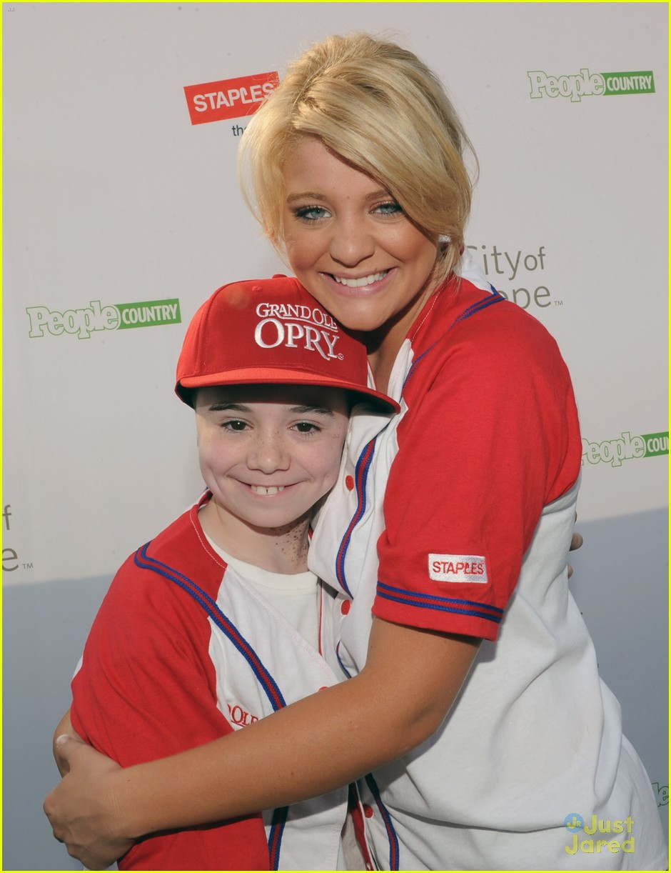 lauren alaina softball city hope 06