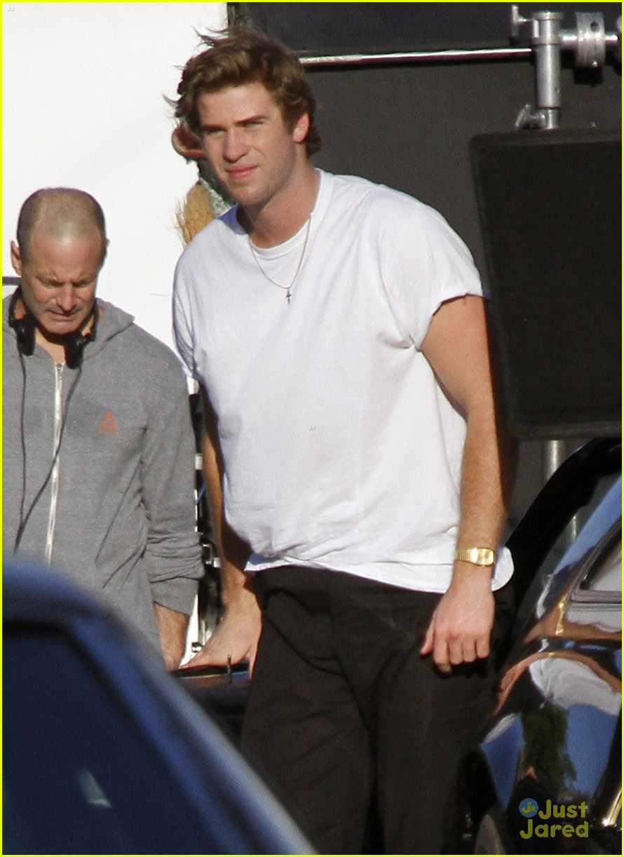 liam hemsworth emma roberts empire state 06
