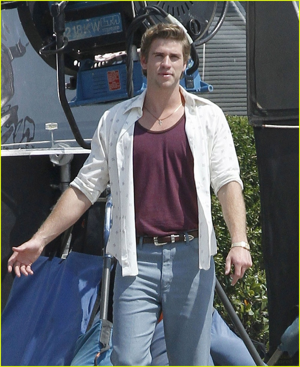 liam hemsworth empire state set 04