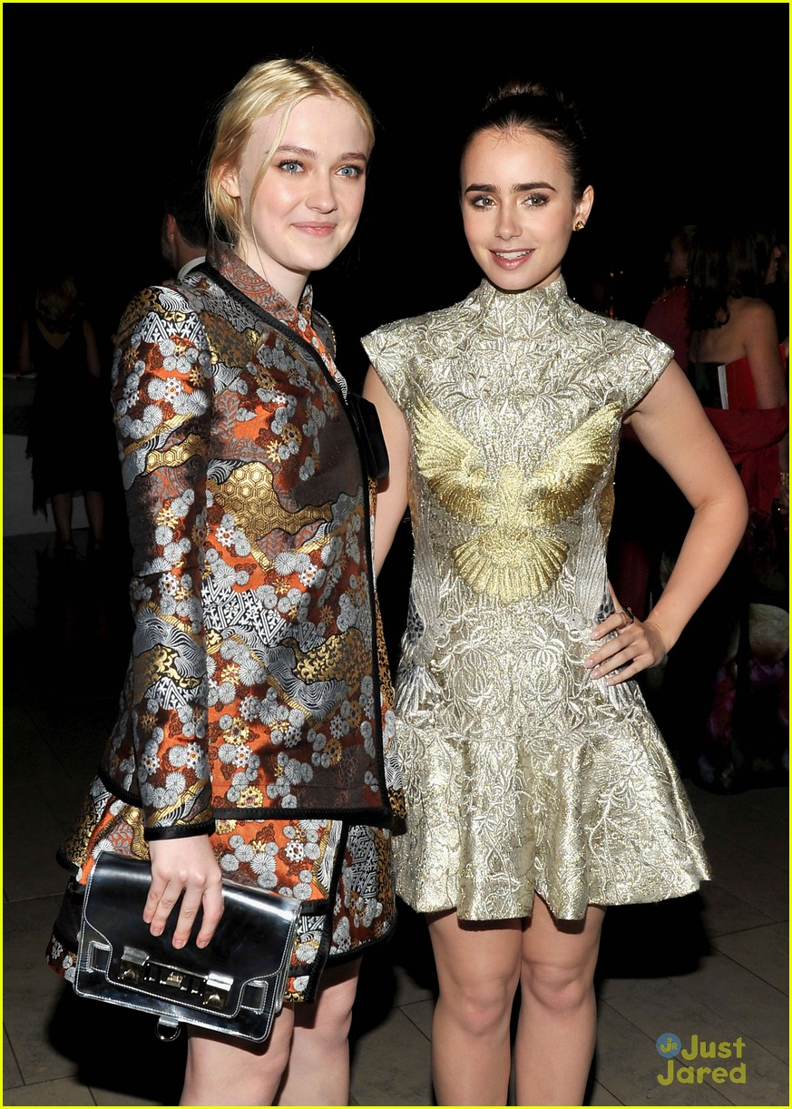 lily collins cfda awards 07