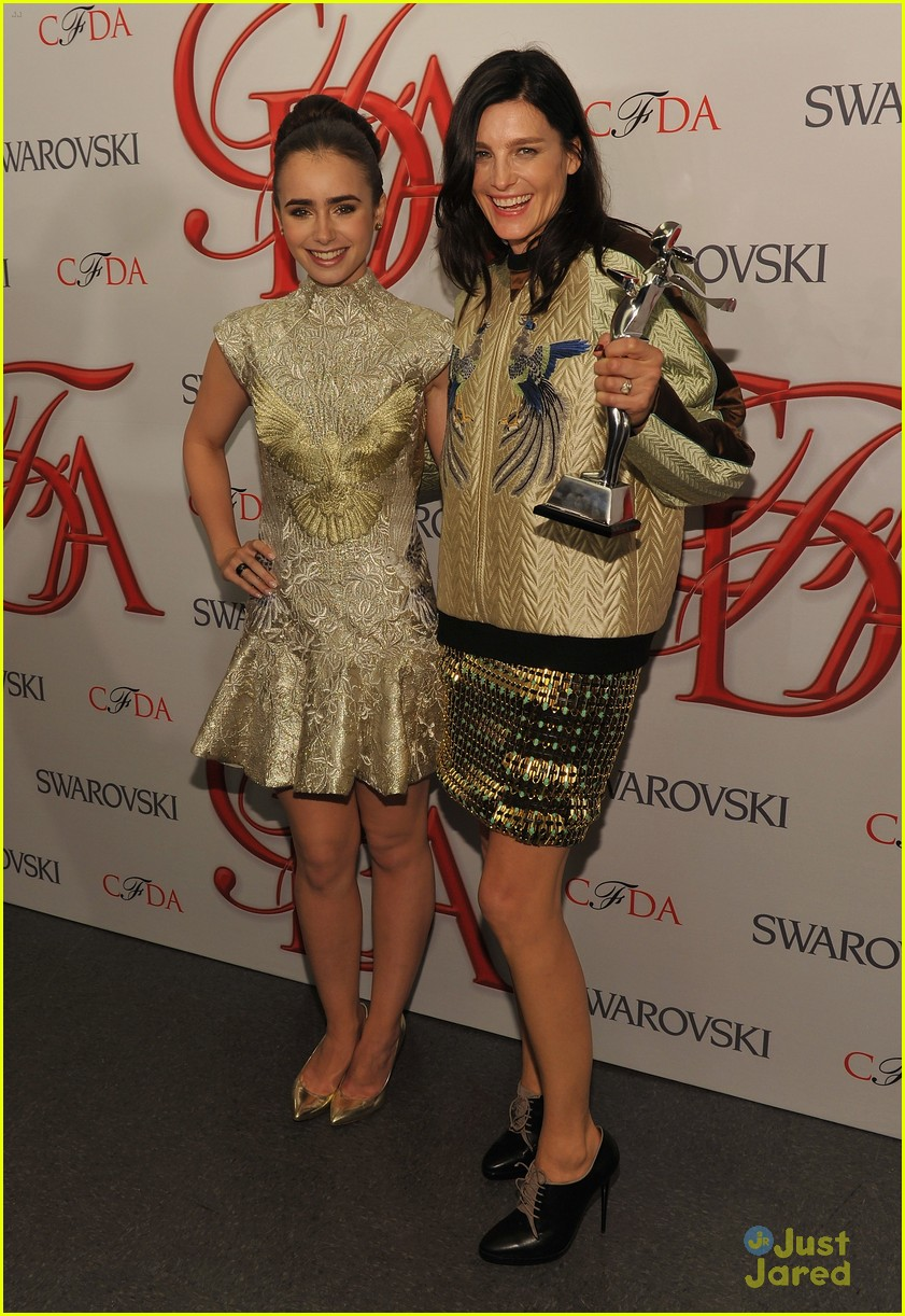 lily collins cfda awards 22