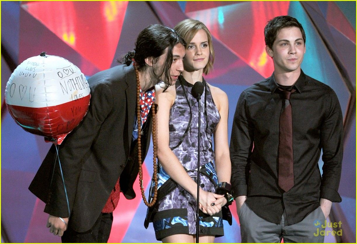 logan lerman mtv movie awards 01