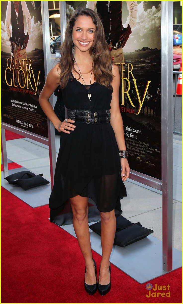maiara walsh greater glory 06