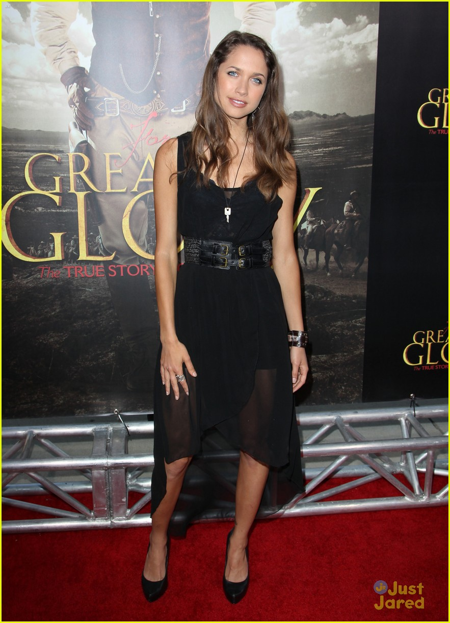 maiara walsh greater glory 08